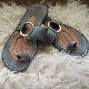 Born Blue toe sandals